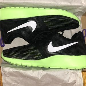 Nike Roshe- brand new still in box. Size-5Y